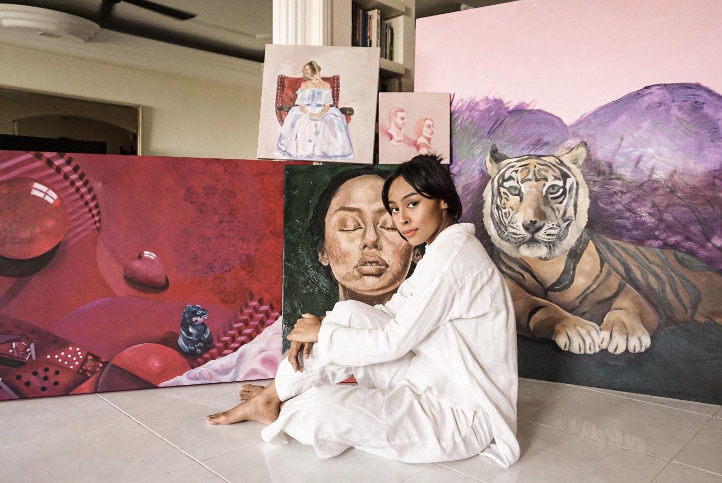 Lis Tamara And Artwork