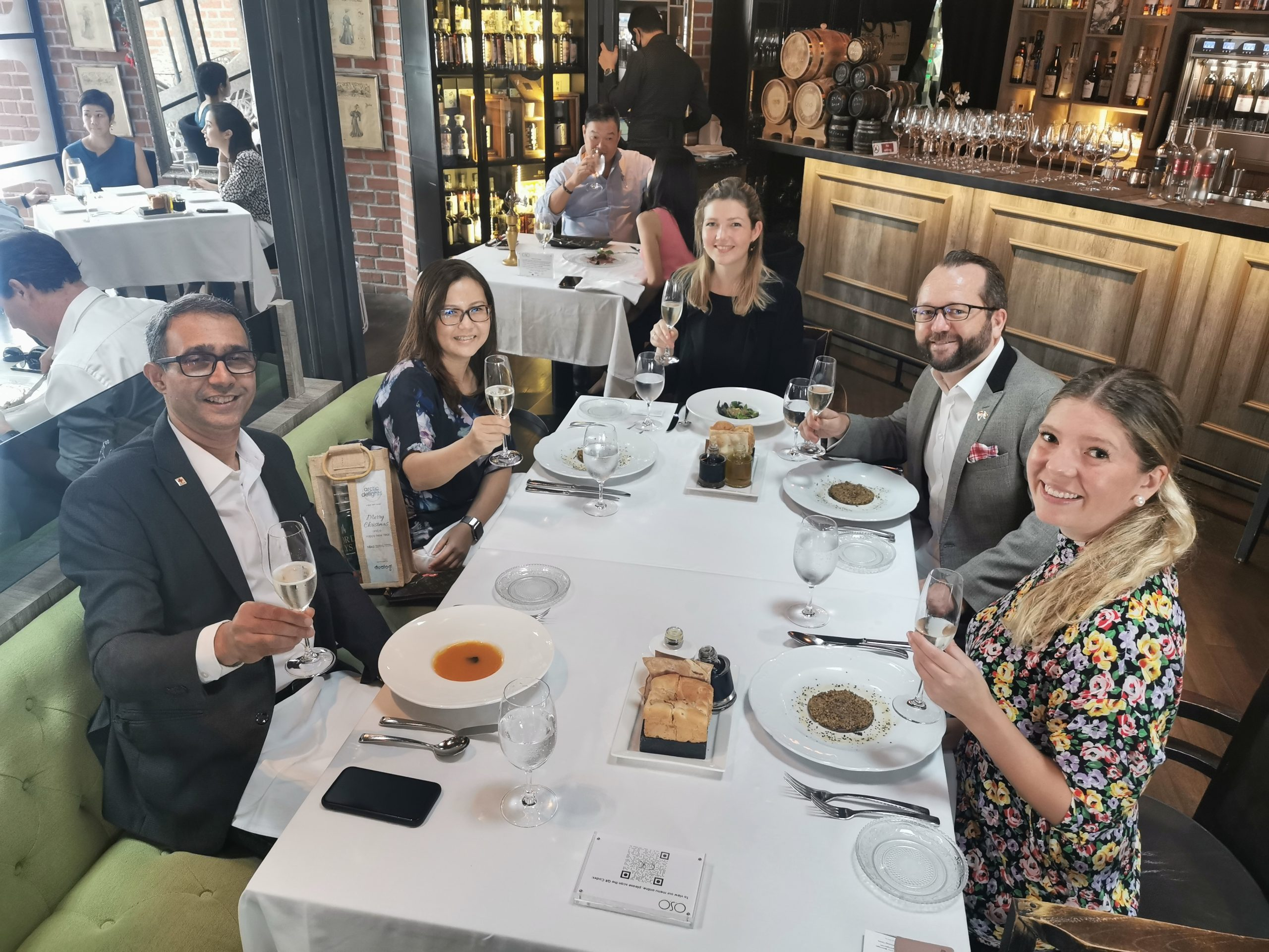 NBAS-members enjoying a business lunch